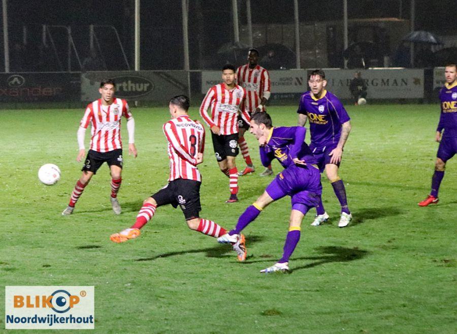 VVSB toont veerkracht en pakt een verdiend punt tegen Jong Sparta. (foto's)